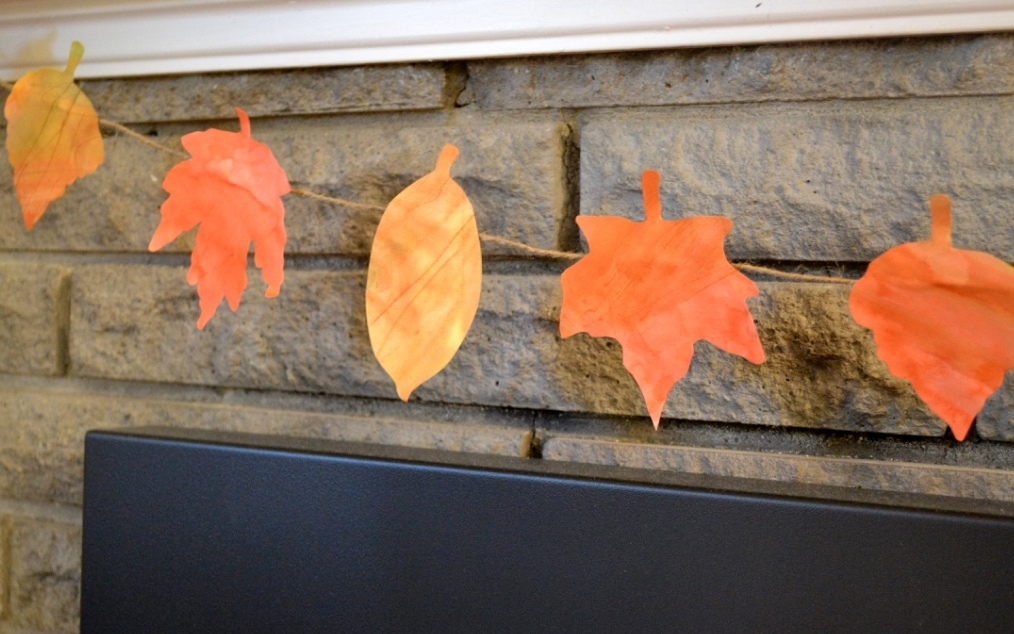 Fall leaf watercolour garland