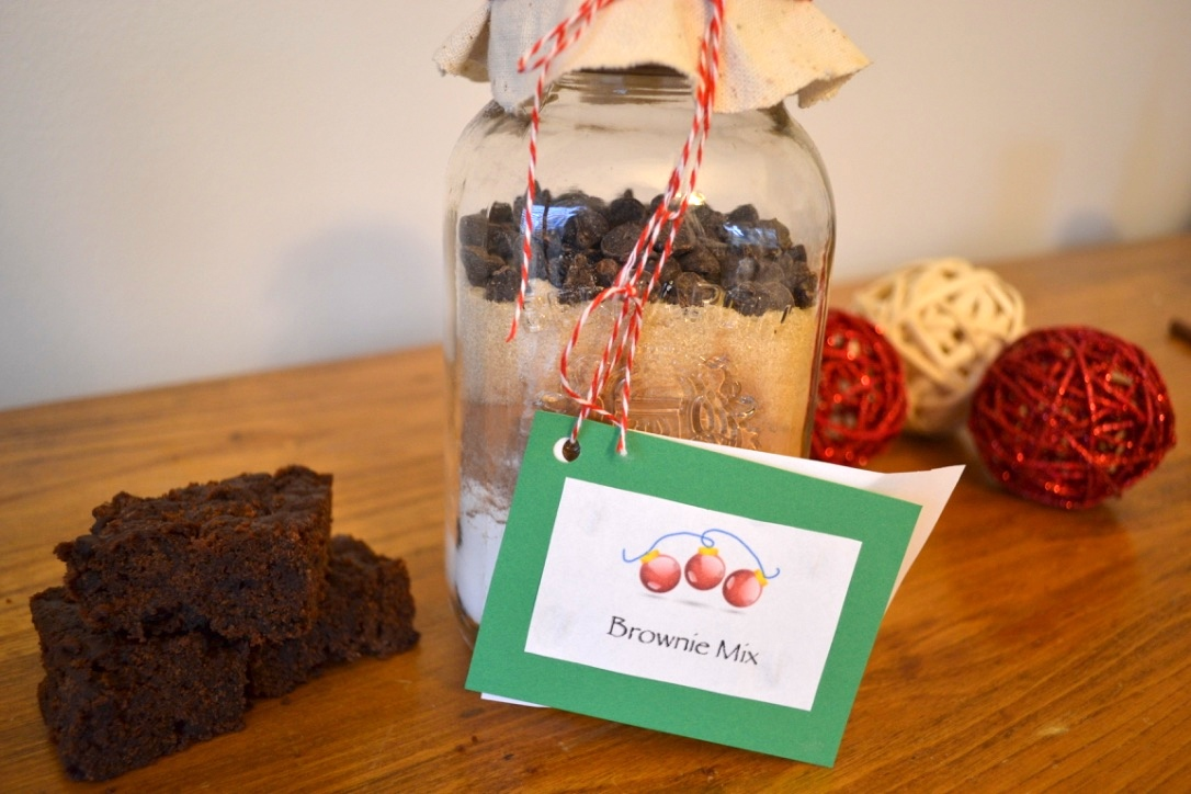 DIY Healthy Brownie Mix (Vegan) - a simple, inexpensive and healthy edible gift idea