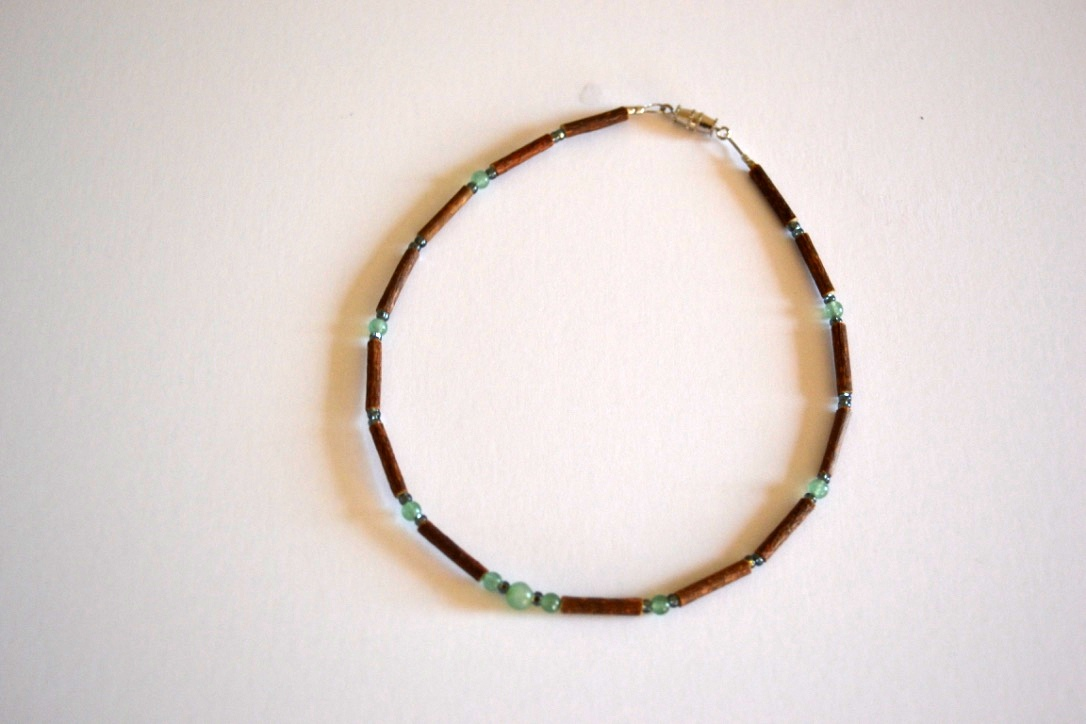 Helping Teething Pain with Halewood Necklaces - Pure Hazelwood jewellery to heal teething pain