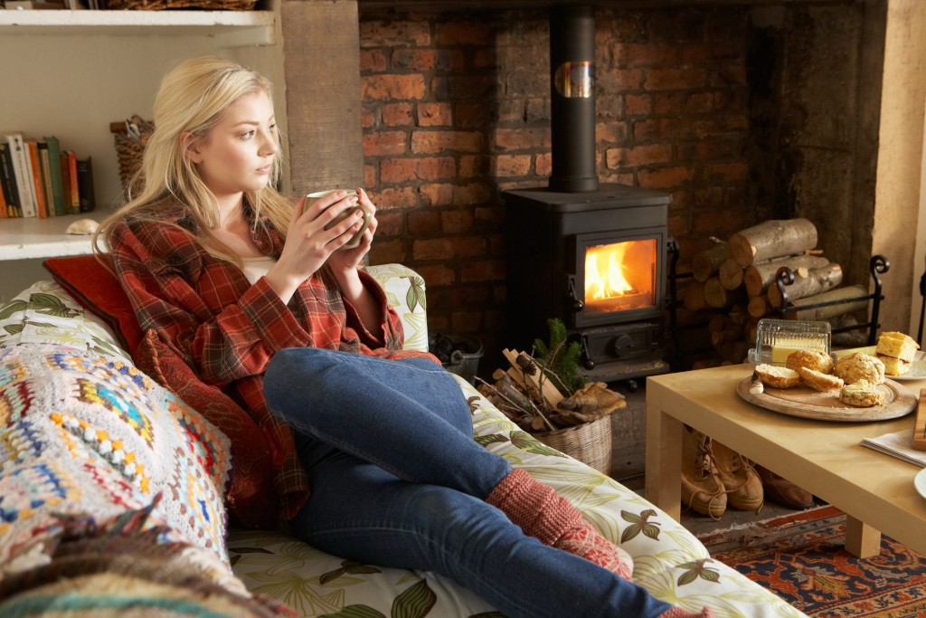 10 Eco-friendly Ways to Stay Warm in the Fall and Winter