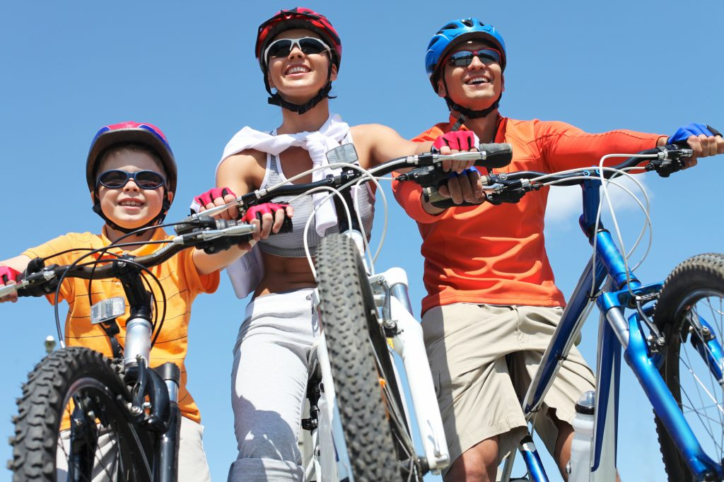 How to Get Outside and Become an Active Family this Summer